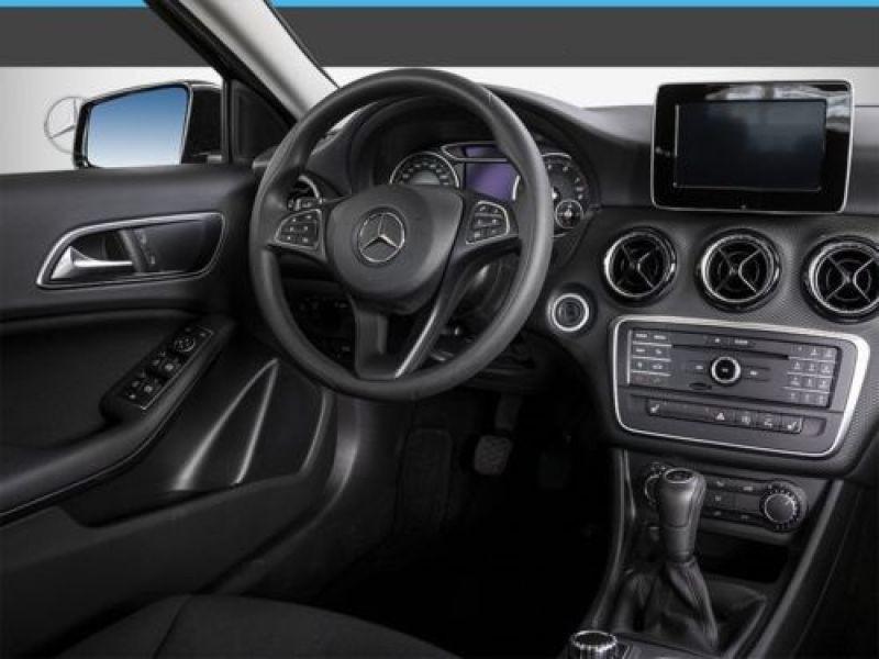 Mercedes Classe A 160 Noir occasion à Beaupuy - photo n°2