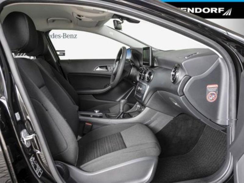Mercedes Classe A 160 Noir occasion à Beaupuy - photo n°4