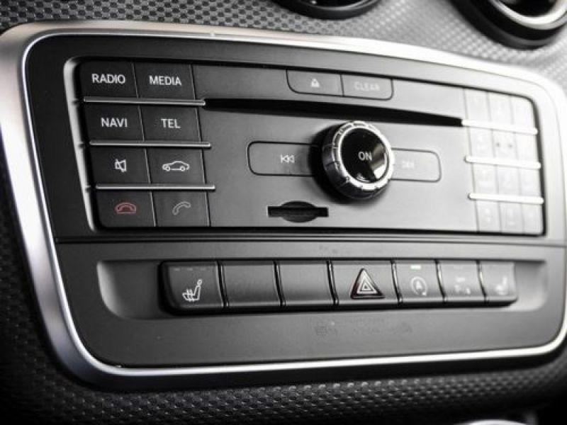 Mercedes Classe A 160 Noir occasion à Beaupuy - photo n°9