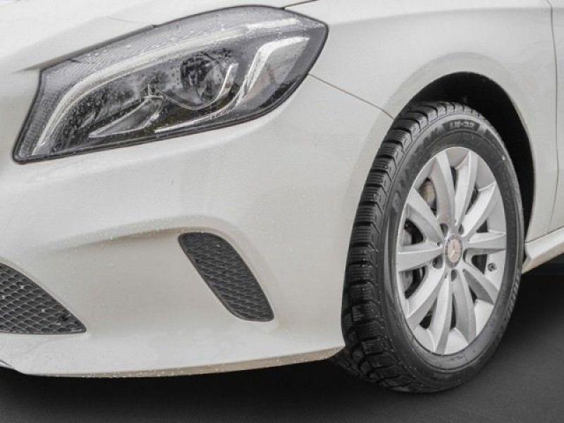 Mercedes Classe A 160 Blanc occasion à Beaupuy - photo n°8