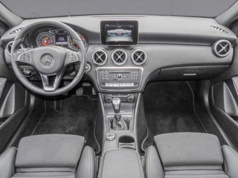 Mercedes Classe A 160 Blanc occasion à Beaupuy - photo n°2