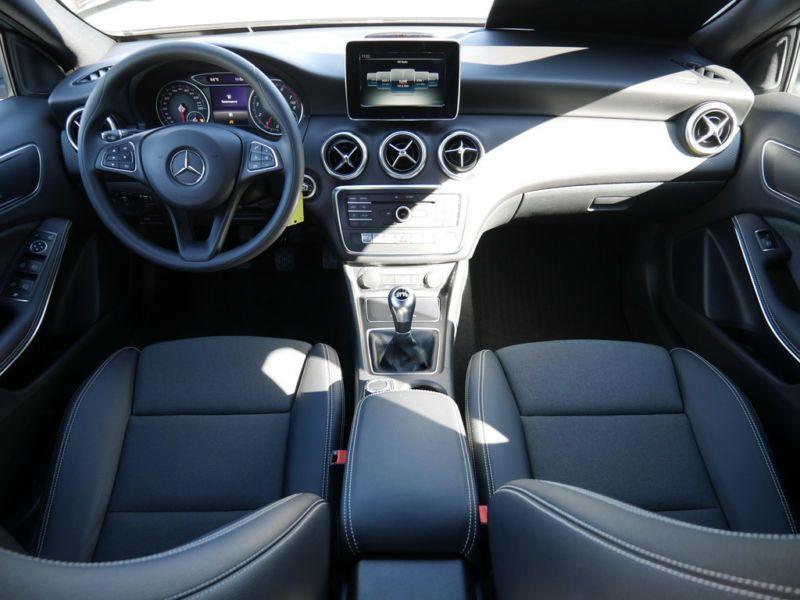 Mercedes Classe A 160 Argent occasion à Beaupuy - photo n°2