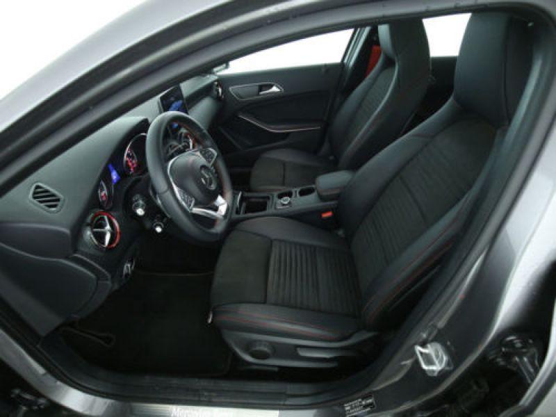 Mercedes Classe A 250 4Matic AMG Gris occasion à Beaupuy - photo n°4