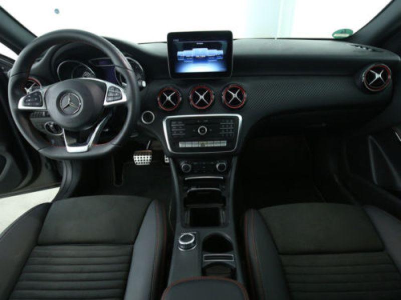 Mercedes Classe A 250 4Matic AMG Gris occasion à Beaupuy - photo n°2