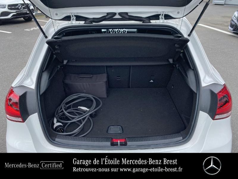 Mercedes Classe A 250 e 160+102ch AMG Line 8G-DCT 8cv Blanc occasion à BREST - photo n°12