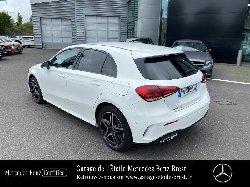 Mercedes Classe A 250 e 160+102ch AMG Line 8G-DCT 8cv Blanc occasion à BREST - photo n°3