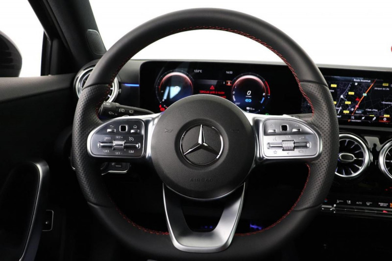 Mercedes Classe A 250 e EQ POWER 8G-DCT AMG Line Noir occasion à Dury - photo n°11