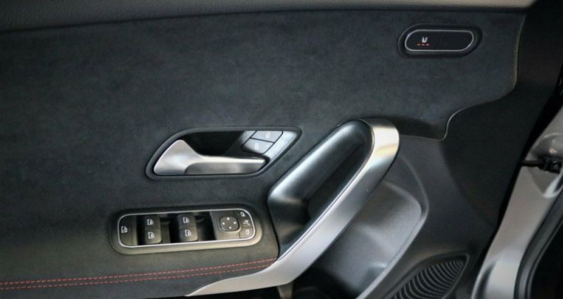 Mercedes Classe A 250 Fascination 7G-DCT Gris occasion à Boulogne-Billancourt - photo n°5