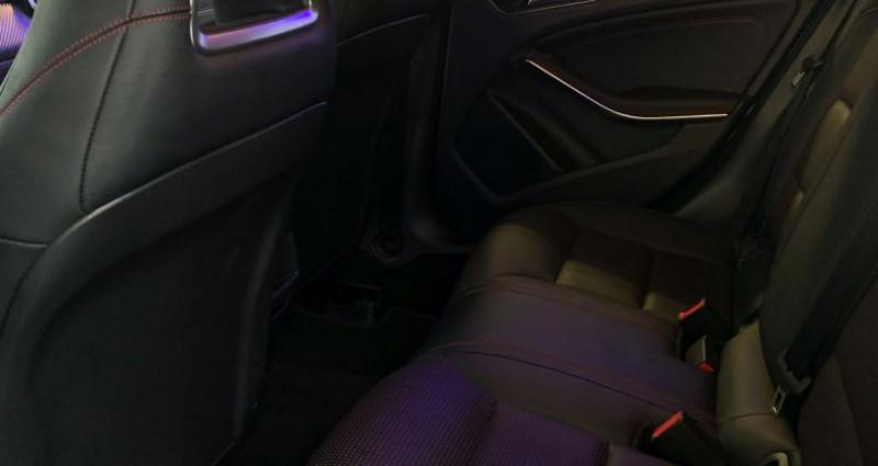 Mercedes Classe A III 250 Fascination 7G-DCT Noir occasion à Boulogne-Billancourt - photo n°7