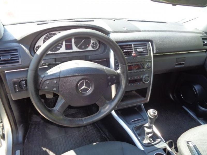 Mercedes Classe B 180 (T245) 180 CDI Gris occasion à Aucamville - photo n°7