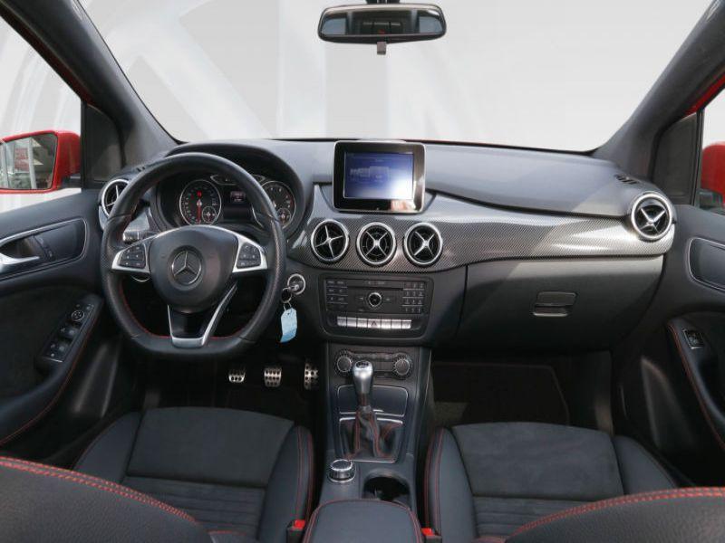 Mercedes Classe B 180 180 AMG Rouge occasion à Beaupuy - photo n°2
