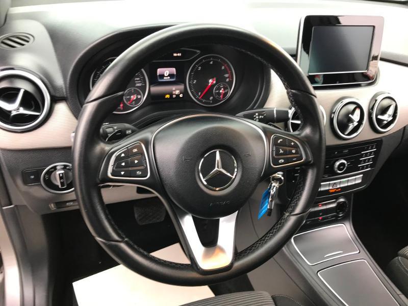 Mercedes Classe B 180 180 d 109ch Inspiration 7G-DCT Gris occasion à Labège - photo n°11