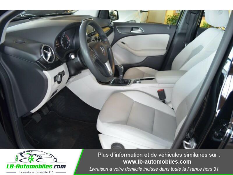 Mercedes Classe B 180 180 Noir occasion à Beaupuy - photo n°4