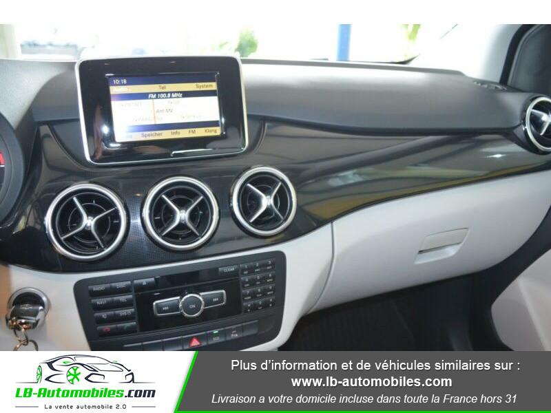 Mercedes Classe B 180 180 Noir occasion à Beaupuy - photo n°6