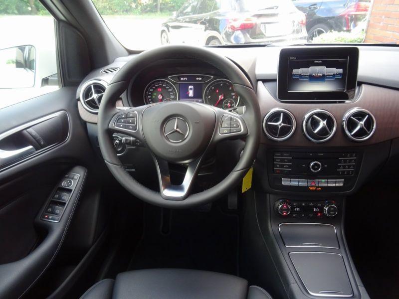 Mercedes Classe B 200 200 CDI 4 Matic Blanc occasion à Beaupuy - photo n°2