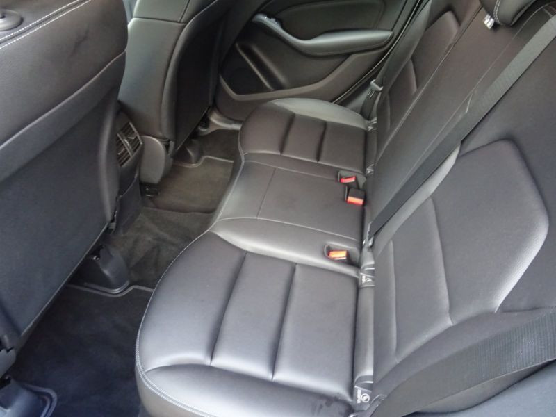 Mercedes Classe B 200 200 CDI 4 Matic Blanc occasion à Beaupuy - photo n°5