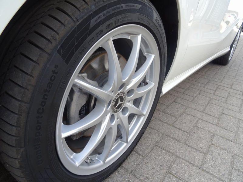 Mercedes Classe B 200 200 CDI 4 Matic Blanc occasion à Beaupuy - photo n°7