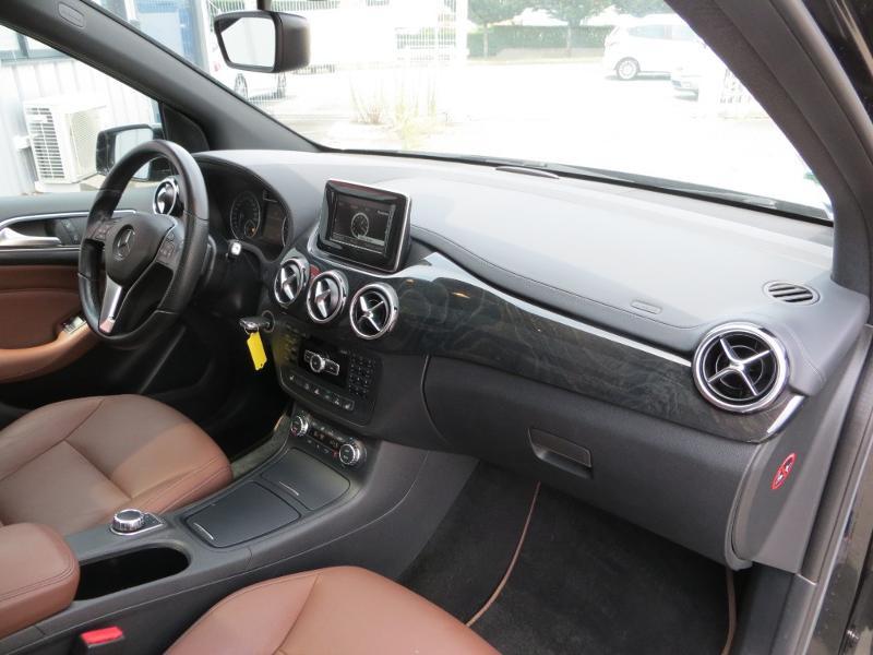 Mercedes Classe B 200 200 CDI Fascination 7G-DCT Noir occasion à La Roche-sur-Yon - photo n°4