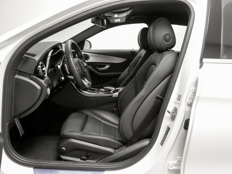 Mercedes Classe C 200 200 CDI AMG Blanc occasion à Beaupuy - photo n°3