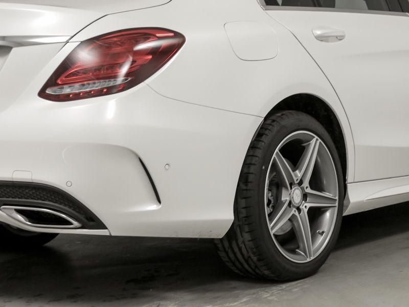 Mercedes Classe C 200 200 CDI AMG Blanc occasion à Beaupuy - photo n°8