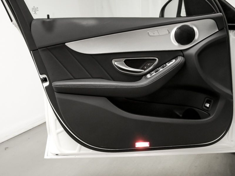 Mercedes Classe C 200 200 CDI AMG Blanc occasion à Beaupuy - photo n°7