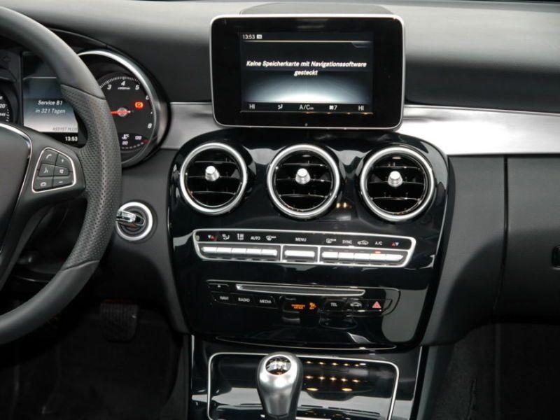 Mercedes Classe C 200 200 Noir occasion à Beaupuy - photo n°5