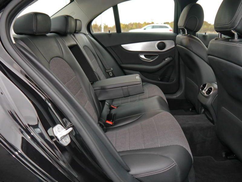 Mercedes Classe C 200 200 Noir occasion à Beaupuy - photo n°4