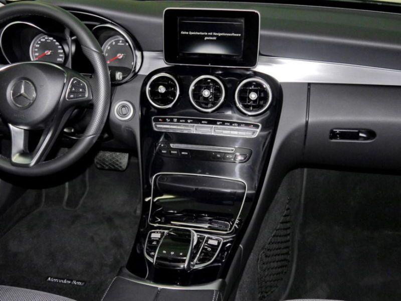 Mercedes Classe C 200 200 Noir occasion à Beaupuy - photo n°6