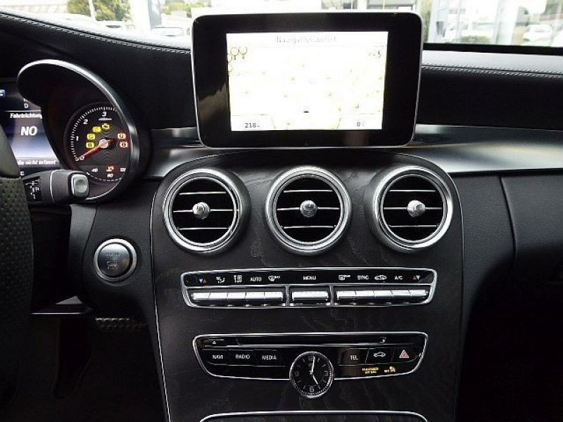Mercedes Classe C 220 220 CDI AMG Blanc occasion à Beaupuy - photo n°4
