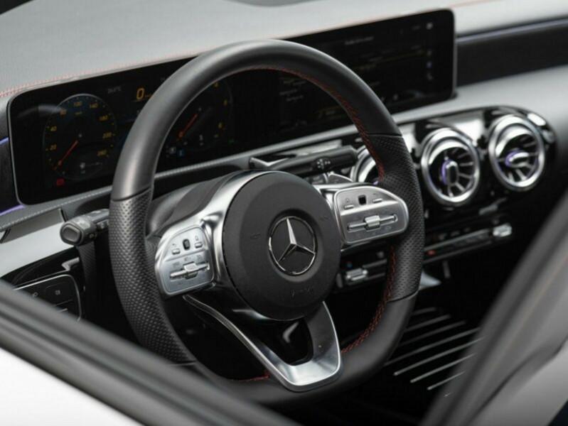 Mercedes Classe CLA Shooting brake 180 D 2.0 116CH AMG LINE 7G-DCT Blanc occasion à Villenave-d'Ornon - photo n°8