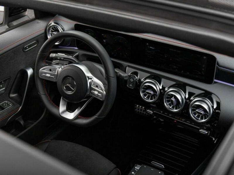Mercedes Classe CLA Shooting brake 180 D 2.0 116CH AMG LINE 7G-DCT Blanc occasion à Villenave-d'Ornon - photo n°9