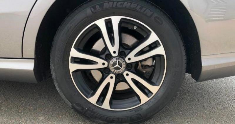 Mercedes Classe CLA Shooting brake 180 d Business 7G-DCT Gris occasion à Angers Villeveque - photo n°4