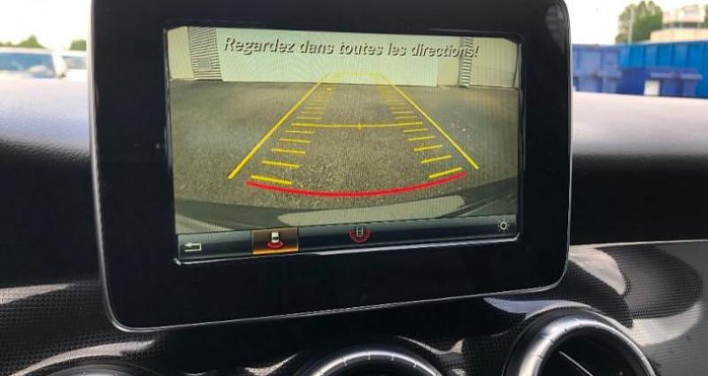 Mercedes Classe CLA Shooting brake 180 d Business 7G-DCT Gris occasion à Angers Villeveque - photo n°5