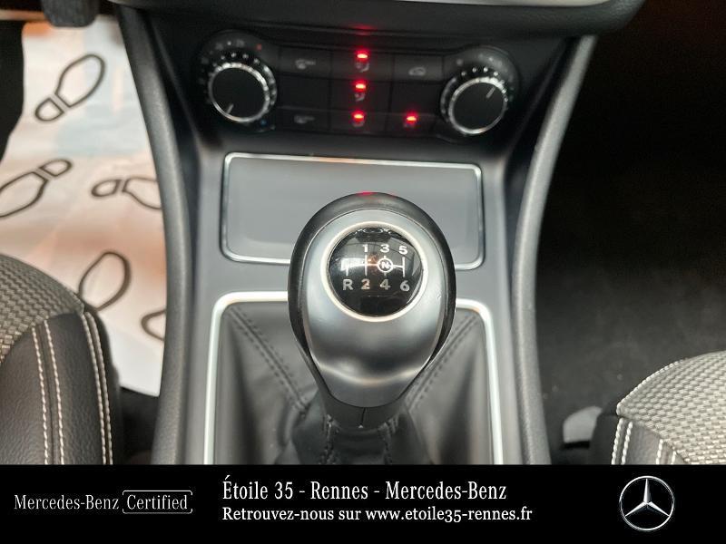 Mercedes Classe CLA Shooting brake 180 Inspiration Noir occasion à SAINT-GREGOIRE - photo n°10