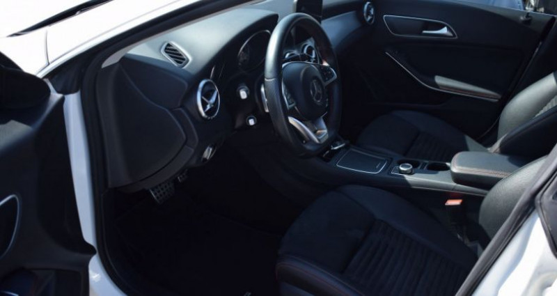 Mercedes Classe CLA Shooting brake 200 D FASCINATION 7G-DCT AMG Blanc occasion à VENDARGUES - photo n°7