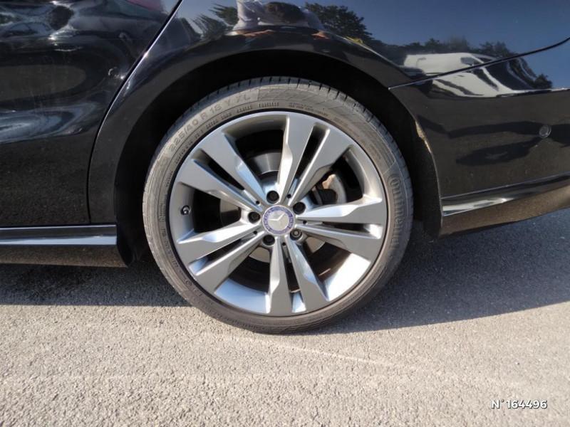 Mercedes Classe CLA Shooting brake 200 d Sensation 7G-DCT Noir occasion à Deauville - photo n°9
