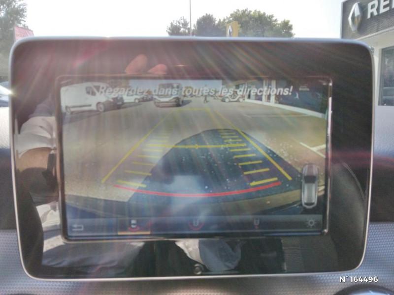 Mercedes Classe CLA Shooting brake 200 d Sensation 7G-DCT Noir occasion à Deauville - photo n°13