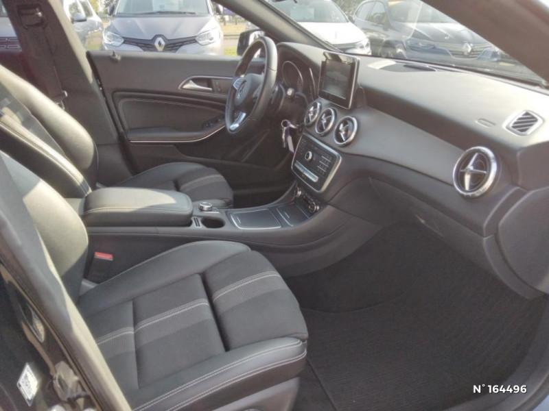 Mercedes Classe CLA Shooting brake 200 d Sensation 7G-DCT Noir occasion à Deauville - photo n°4