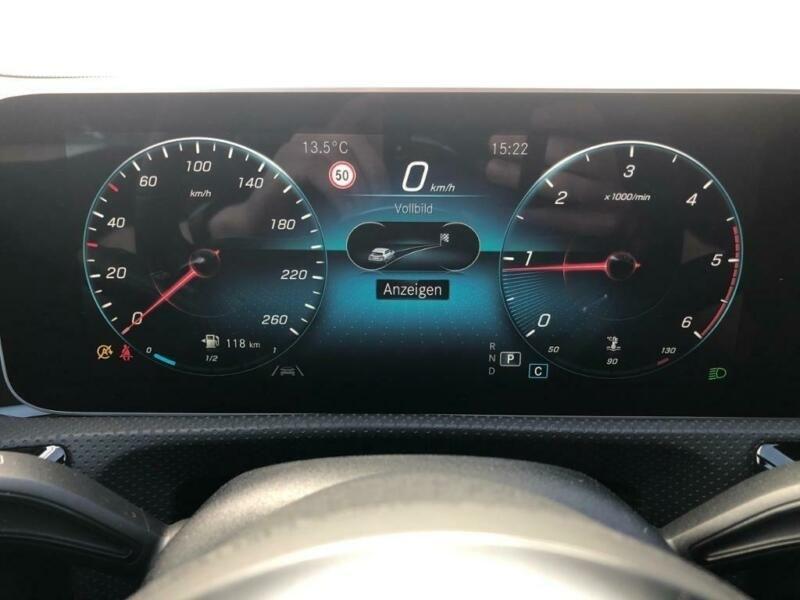 Mercedes Classe CLA 180 D 116CH AMG LINE 7G-DCT Gris occasion à Villenave-d'Ornon - photo n°8