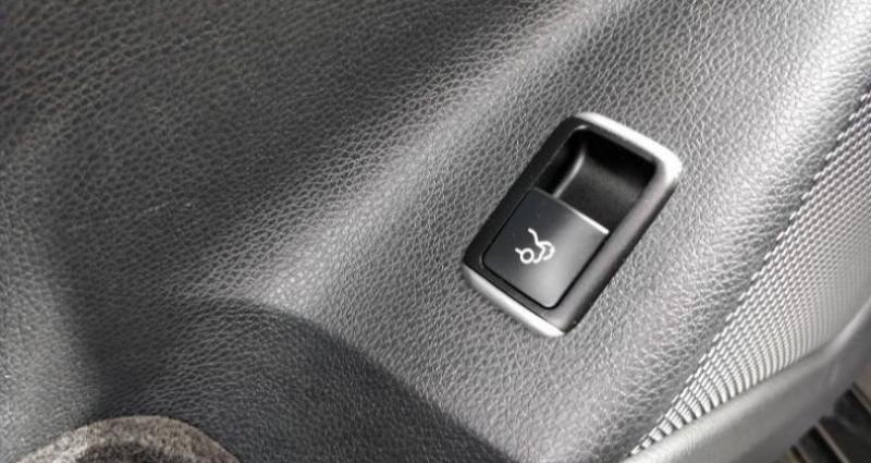 Mercedes Classe CLA 180 d Business Executive 7G-DCT Noir occasion à Cholet - photo n°7