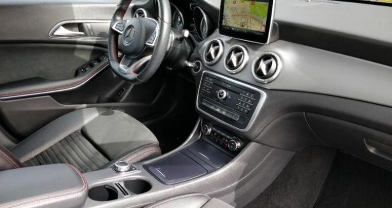 Mercedes Classe CLA 180 d Business Executive 7G-DCT Noir occasion à Cholet - photo n°3