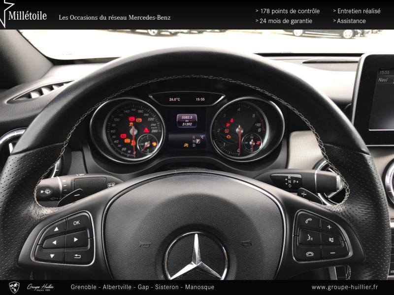 Mercedes Classe CLA 200 d Sensation 4Matic 7G-DCT Euro6c Blanc occasion à Gières - photo n°9
