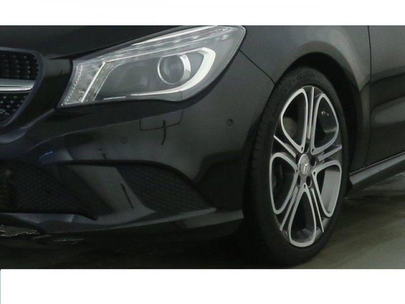 Mercedes Classe CLA 220 D Shooting Brake Noir occasion à Beaupuy - photo n°7