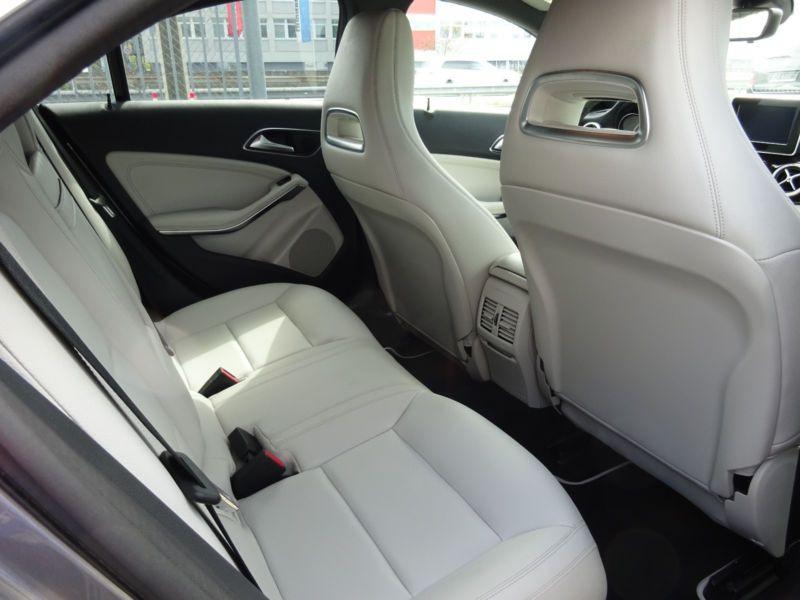 Mercedes Classe CLA 250 4Matic Gris occasion à Beaupuy - photo n°4
