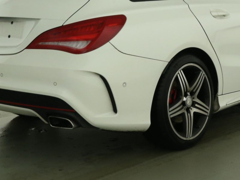 Mercedes Classe CLA 250 Shooting Brake 4Matic AMG Blanc occasion à Beaupuy - photo n°7
