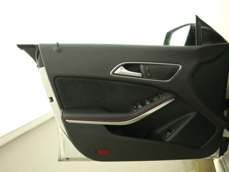 Mercedes Classe CLA 250 Shooting Brake 4Matic AMG Blanc occasion à Beaupuy - photo n°6