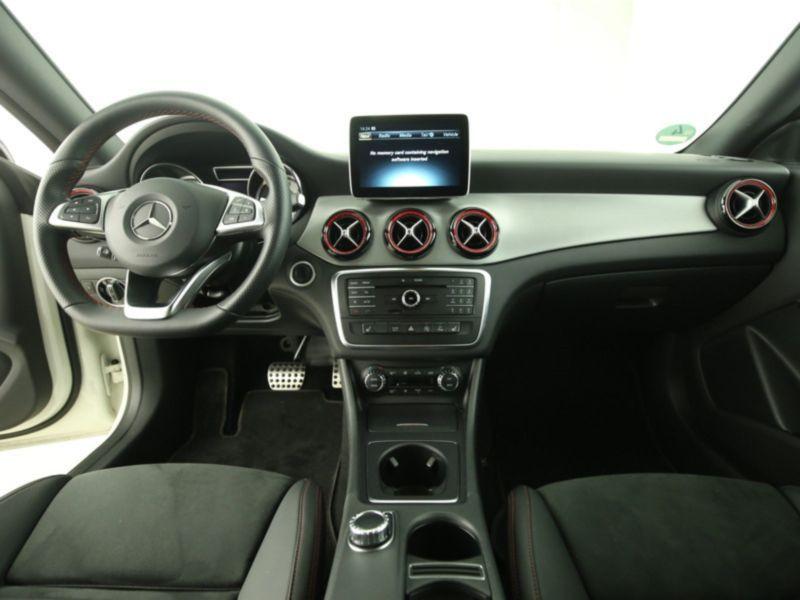 Mercedes Classe CLA 250 Shooting Brake 4Matic AMG Blanc occasion à Beaupuy - photo n°4