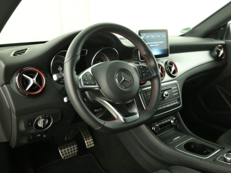 Mercedes Classe CLA 250 Shooting Brake 4Matic AMG Blanc occasion à Beaupuy - photo n°3