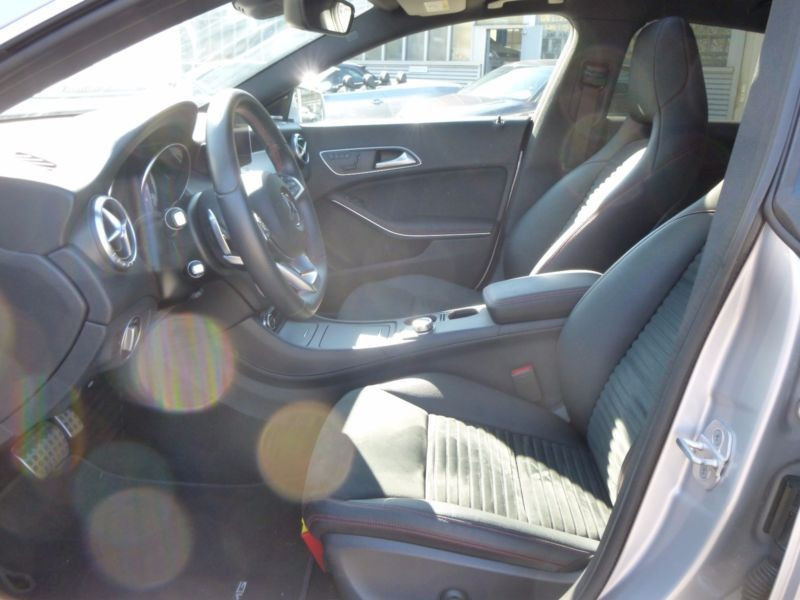 Mercedes Classe CLA 250 Shooting Brake AMG Argent occasion à Beaupuy - photo n°3
