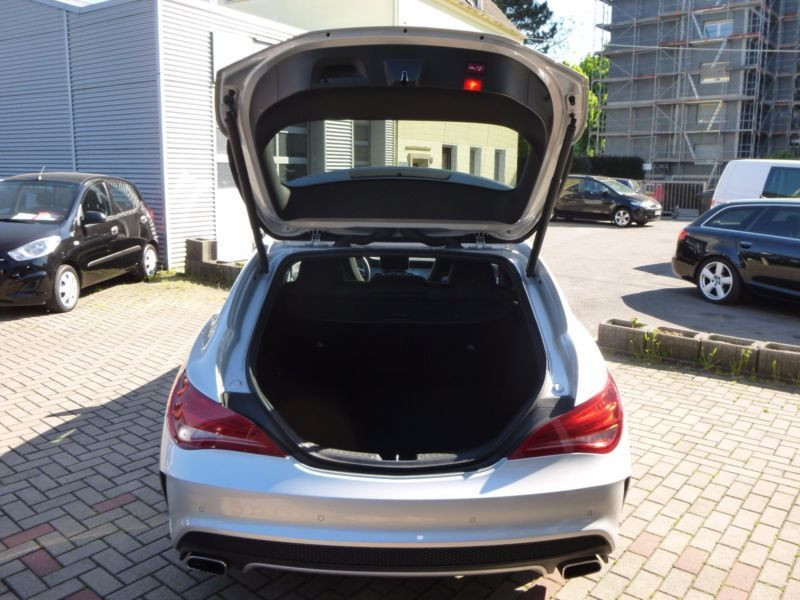 Mercedes Classe CLA 250 Shooting Brake AMG Argent occasion à Beaupuy - photo n°9